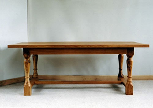 refectory table with turned legs